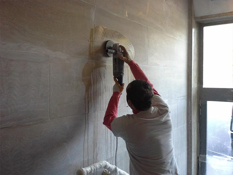 levigatura restauro piano verticale marmo