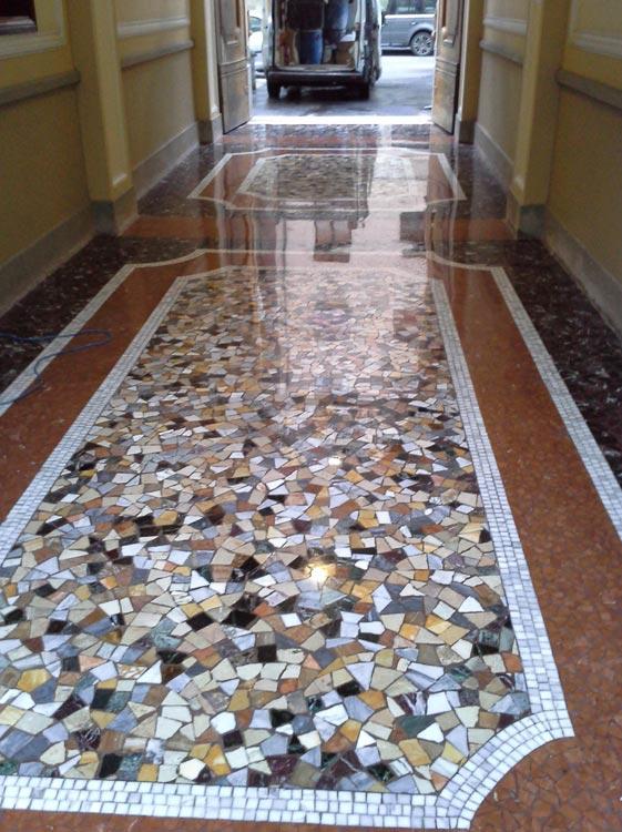Pavimento a mosaico ao36 regardsdefemmes - Posa piastrelle mosaico ...